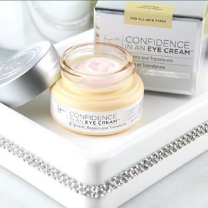it COSMETICS CONFIDENCE IN AN EYE CREAM NIB